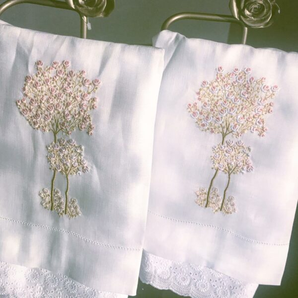 Toalha de Lavabo Linho Árvore Pastel